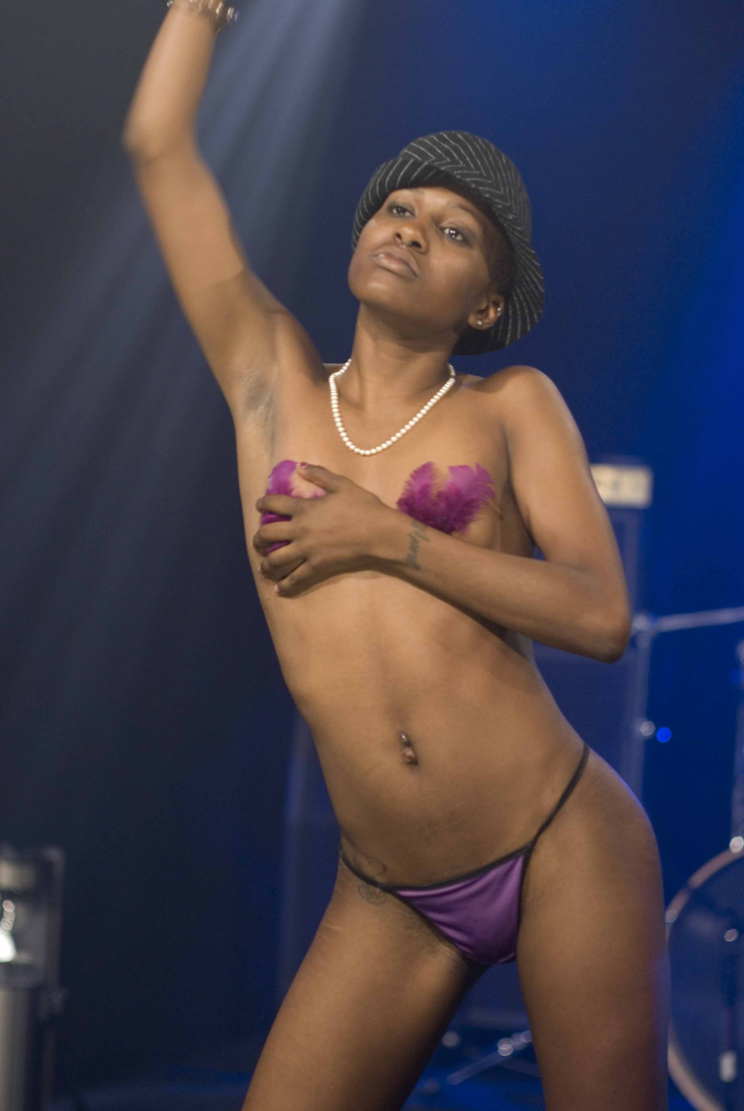 low-rez-jbtv-burlesque0633.jpg